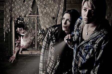 10 Haunted Houses You Should Probably Check Out In The Rockford Area