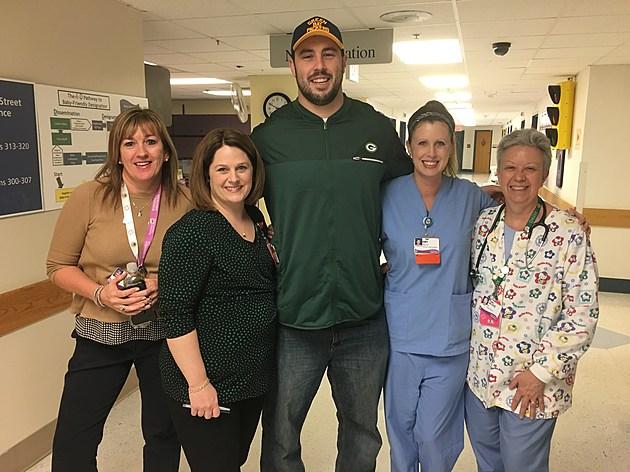 Green Bay Packer Dean Lowry Spreads Joy at Swedish American Hospital
