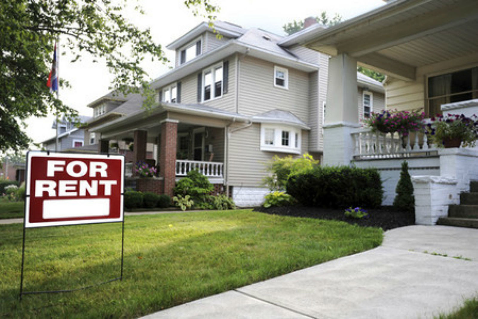 renting vs buying Vermont renting vs buying a home in vermont: monthly rent in vermont: $1,500 monthly mortgage in vermont: $1,226 one of the best states for first-time homebuyers, vermont's homes have.