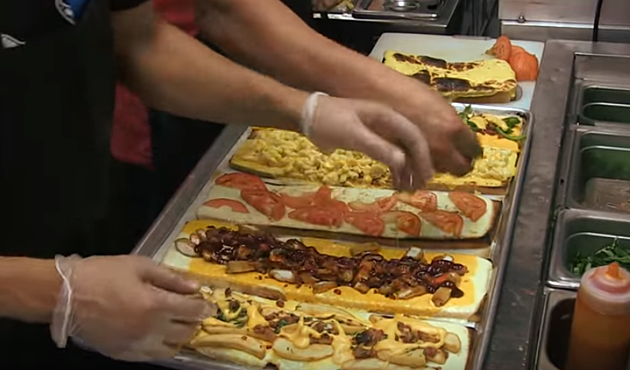 Here's What Illinois' 'Most Insane Food Challenge' Looks Like
