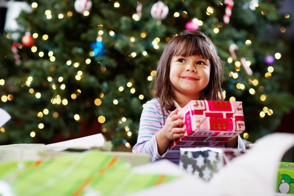 Why You Shoul Give Your Kids Exactly Three Christmas GIfts